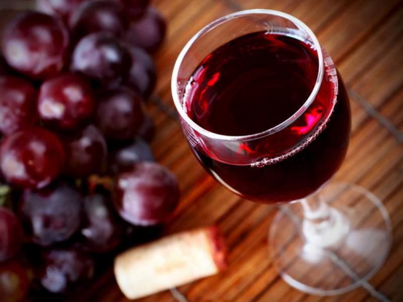 Новости дня: Медики опровергли миф о пользе красного вина
