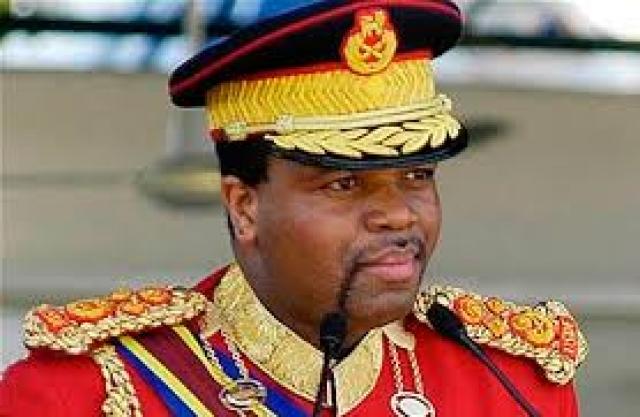 Мсвати III. Король Свазиленда был обвинен оппозицией в разграблении казны, но после телевизионных дебатов все претензии были сняты.
