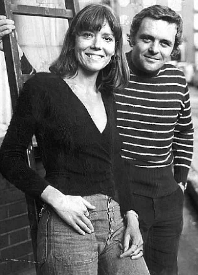 Актер Энтони Хопкинс был женат на Дженнифер Линтон с 1973 по 2002 год.