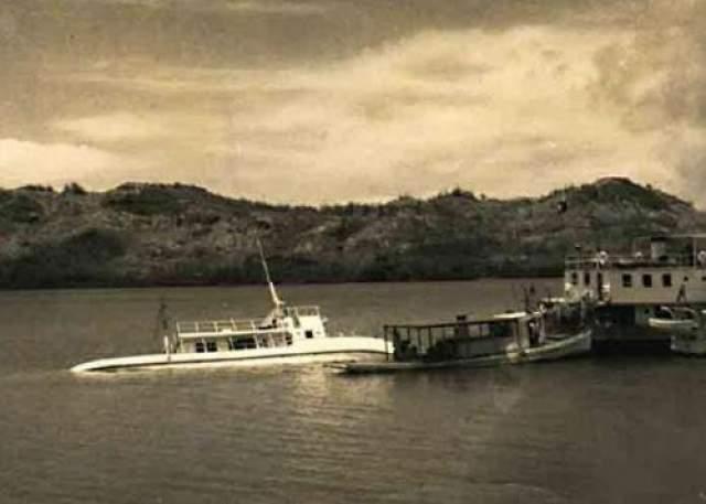 """Призрачный экипаж судна """"MV Joyita"""" Так же как и """"Титаник"""", судно """"MV Joyita"""" считалось """"непотопляемым"""". В начале октября 1955 года корабль отправился к берегам новозеландского архипелага Токелау. Спустя 37 дней он был найден наполовину затронувшим недалеко от Вануа-Леву, второго по величине острова Фиджи. Все двадцать пять пассажиров и члены экипажа судна таинственным образом куда-то исчезли."""