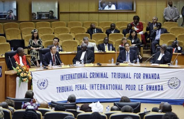 В ноябре 1994 года в Танзании начал работу Международный трибунал по Руанде. Он судил организаторов и вдохновителей массового уничтожения граждан Руанды весной 1994 года, среди которых в основном были бывшие чиновники правящего режима.