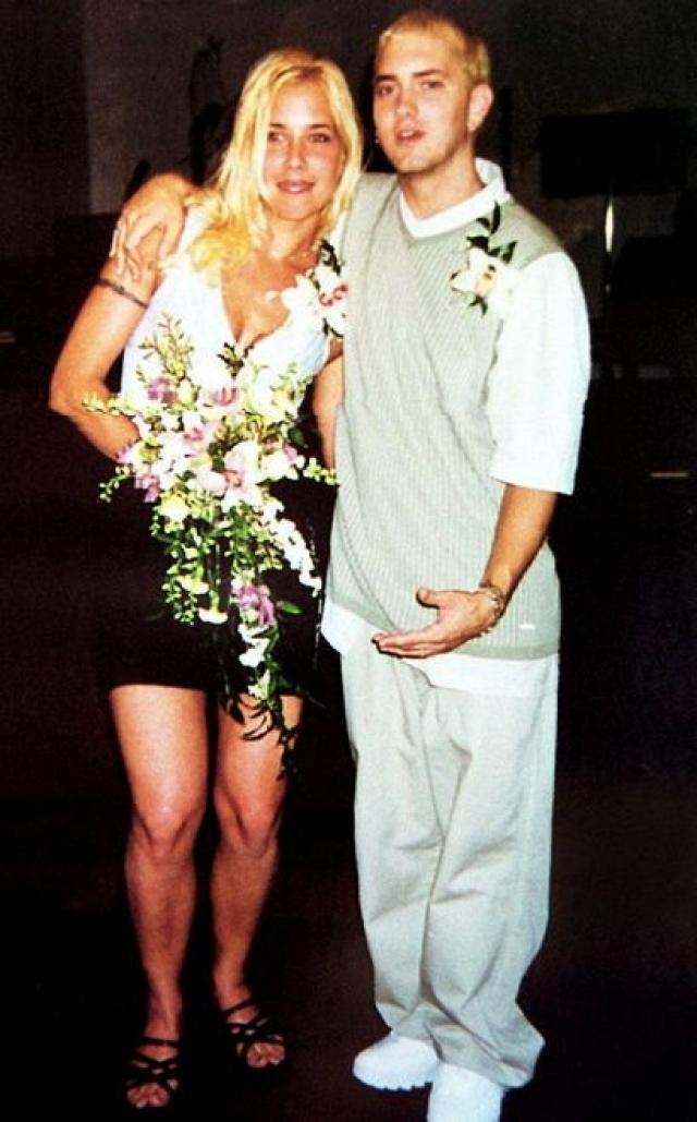 Через пять лет они помирились и даже вновь сыграли свадьбу. Но, увы, и новый брак не продлился и несколько месяцев.