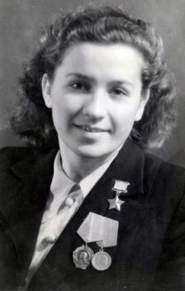 Самым значимым ее подвигом стало уничтожение вместе с Еленой Мазаник и Марией Осиповой фашистского гауляйтера Белоруссии Вильгельма фон Кубе. Женщины подложили мину под его кровать.