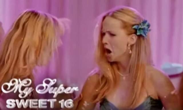 А это Дженнифер Лоуренс в рекламе шоу на канале MTV Super Sweet 16.