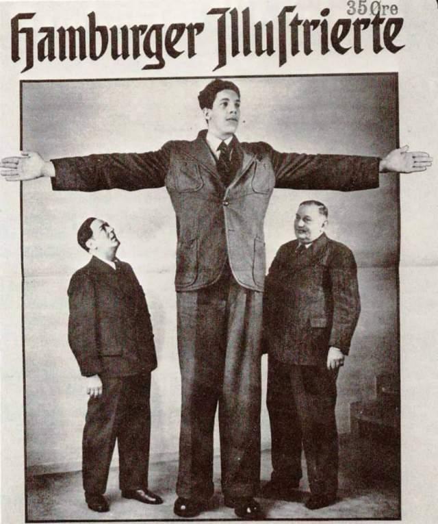 Вайно Миллиринне, 1909-1963, Финляндия. Рост 2,51 метра. Финн Вэйно ростом 2 метра 51 сантиметра был самым высоким человеком в мире с 1961 по 1963 год. Усиленно расти он начал ближе к 40 годам. Был самым высоким человеком, когда-либо служившим в армии. А еще он – у него был самый большой размах рук – 4 метра. Прожил 54 года. О семье Миллиринне ничего не сообщается.