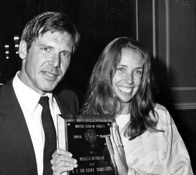 80 миллионов не предел. Еще больше пострадал от развода со своей второй женой Мелиссой Мэдисон актер Харрисон Форд. Супруги прожили в браке 18 лет. На фото: Харрисон Форд с супругой в 1983 году