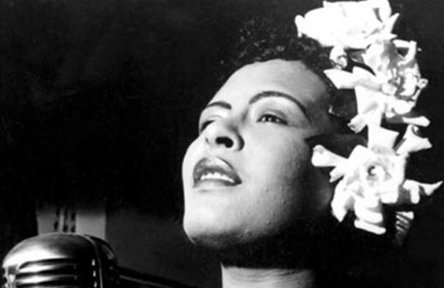 Алкогольная зависимость нанесла серьезный ущерб ее здоровью: у певицы начался цирроз печени. Врачи посоветовали ей больше не пить, иначе эта привычка ее погубит, однако она не смогла устоять перед искушением - пагубная привычка взяла над ней верх. Певица умерла в возрасте 44 лет в 1959 году, однако по сей день она остается известной как одна из лучших певиц своего времени.
