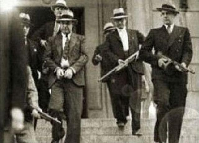 Война бандитов при Капоне приняла невиданные для тех пор размеры.