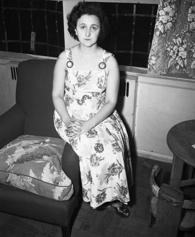 Этель, чья девичья фамилия была Гринглас, после окончания школы в Нью-Йорке работала на различных секретарских должностях.
