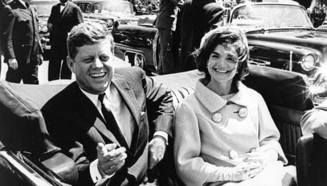 По мнению Даллека, тот факт, что Кеннеди не обнародовал информацию о своих заболеваниях, говорит не о его желании обмануть своих избирателей, а о недюжинной силе духа...