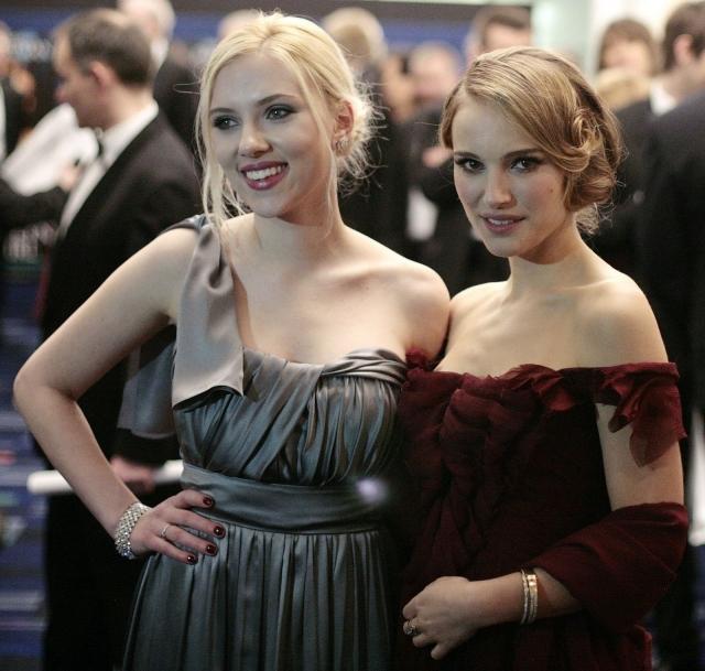 Скарлетт дружит с Натали Портман.