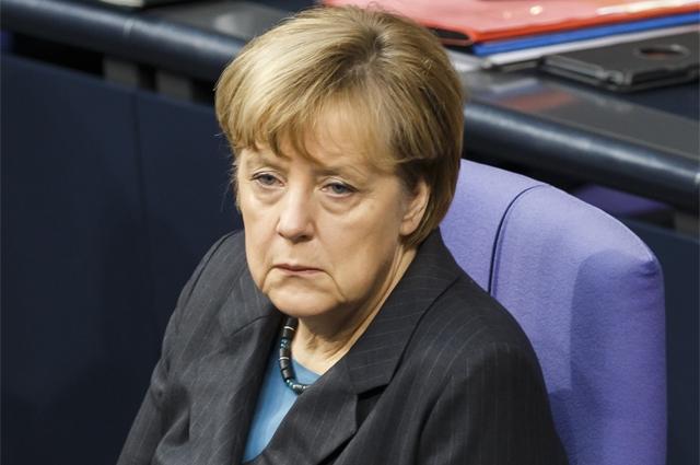 """Ангела Меркель тоже, видимо, была сильно уставшей, когда позволила себе следующее высказывание: """"Антисемитизм является нашим правительственным и гражданским долгом"""" , – заявила Меркель."""