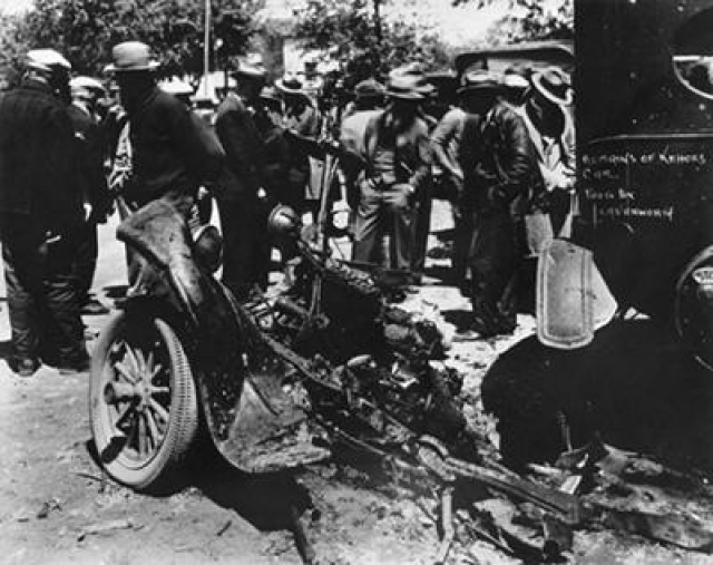 Когда спасатели прибыли в школу, Кехо подъехал к зданию и взорвал бомбу в своем автомобиле. В салон машины он предварительно положил гвозди и металлические предметы - в качестве шрапнели. В результате взрыва погибли он сам, директор школы, а также были убиты и ранены несколько других человек.