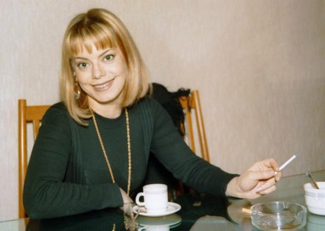 """Работала в театре """"Современник 2"""", затем в театре В. Ливанова """"Детектив, а с 1991 года появилась на телевидении: в 1994-1995 годах вела программу """"Видеомикс"""" и до 2010 года - телепередачу """"Времечко""""."""