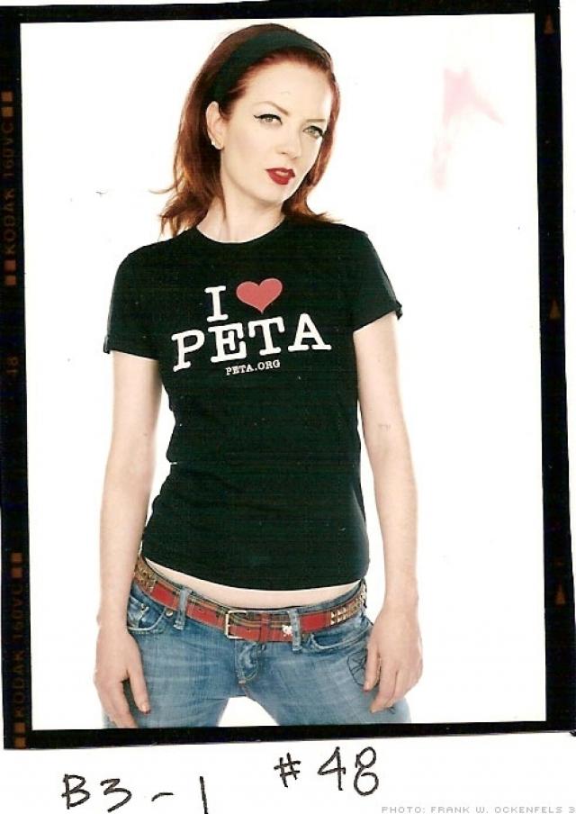 Ширли Мэнсон. Солистка группы Garbage присоединилась к организации PETA в 2007 году, и первая же рекламная кампания с ее участием вызвала громкий скандал.