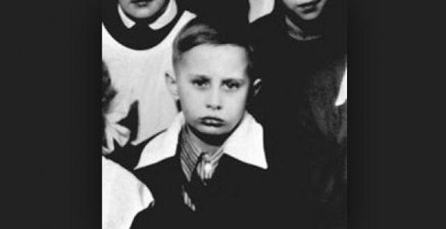 Был крещен в ноябре 1952 года (в Михайлов день) в Ленинграде в Спасо-Преображенском соборе.