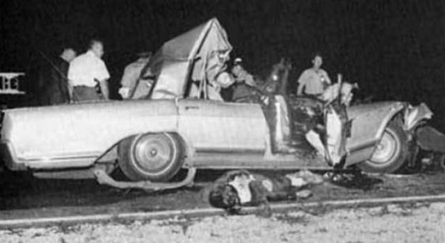 Дети, находившиеся на задних креслах автомобиля, получили лишь незначительные травмы. Ходили слухи, позже переросшие в городскую легенду, что в этой аварии Мэнсфилд оторвало голову.