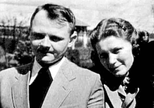 Через три года Светлана вновь вышла замуж, за Юрия Жданова. В 1950 году у них родилась дочь Екатерина.