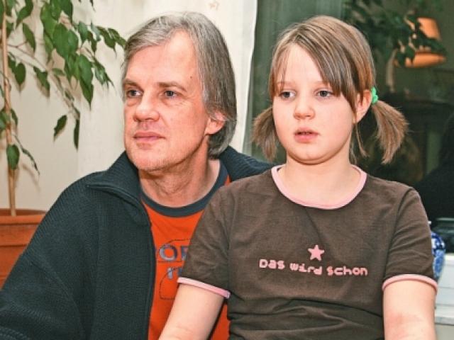 Сейчас актриса счастлива в браке и воспитывает дочь Василису.