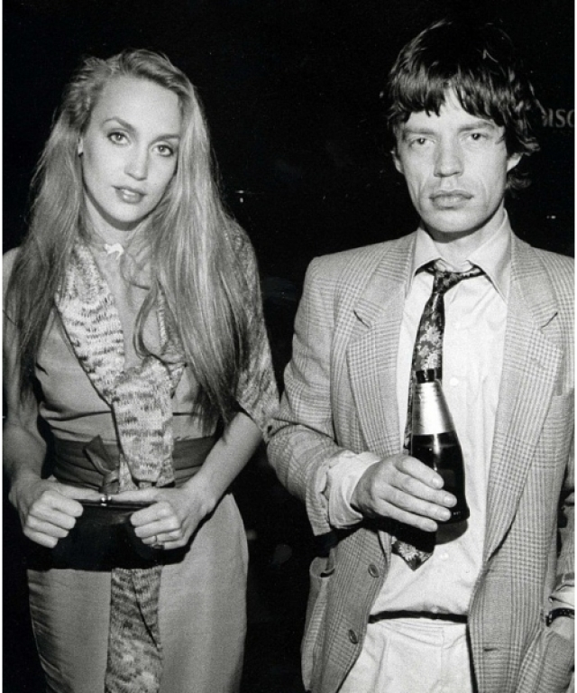 Джерри Холл. На модели был женат Мик Джаггер с 1990 по 1999 года.