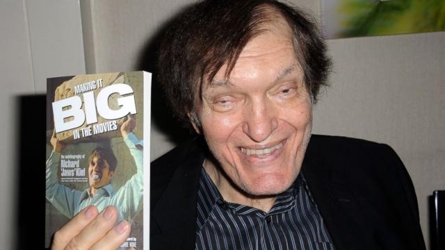 До своего 75-летия актер не дожил три дня. Причиной смерти стал возможный острый инфаркт миокарда на фоне хронической коронарной недостаточности.
