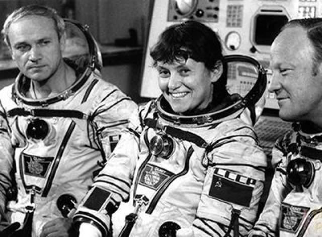 Первая женщина-космонавт, совершившая выход в открытый космос - Светлана Савицкая, 25 июля 1984 года.