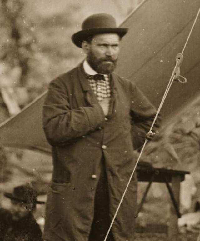 """Выдержавший множество нападений бандитов, разведчик умер от весьма """"обидной"""" причины. В 1884 году Алан Пинкертон, ни раз уходивший от криминальной погони, скончался от гангрены."""