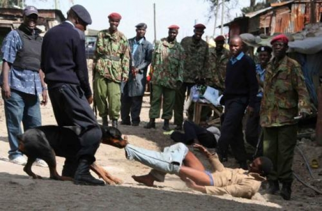 """Мунгики (Кения). Это запрещенная национальная организация, и одновременно с этим в Кении ее часто называют сектой . """"Mungiki"""" означает """"единый народ"""" или """"множество"""". фанатичная религия, которая, по-видимому возникла в конце 1980-х годов."""