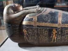 Ученые обнаружили в саркофаге 2500-летнюю мумию