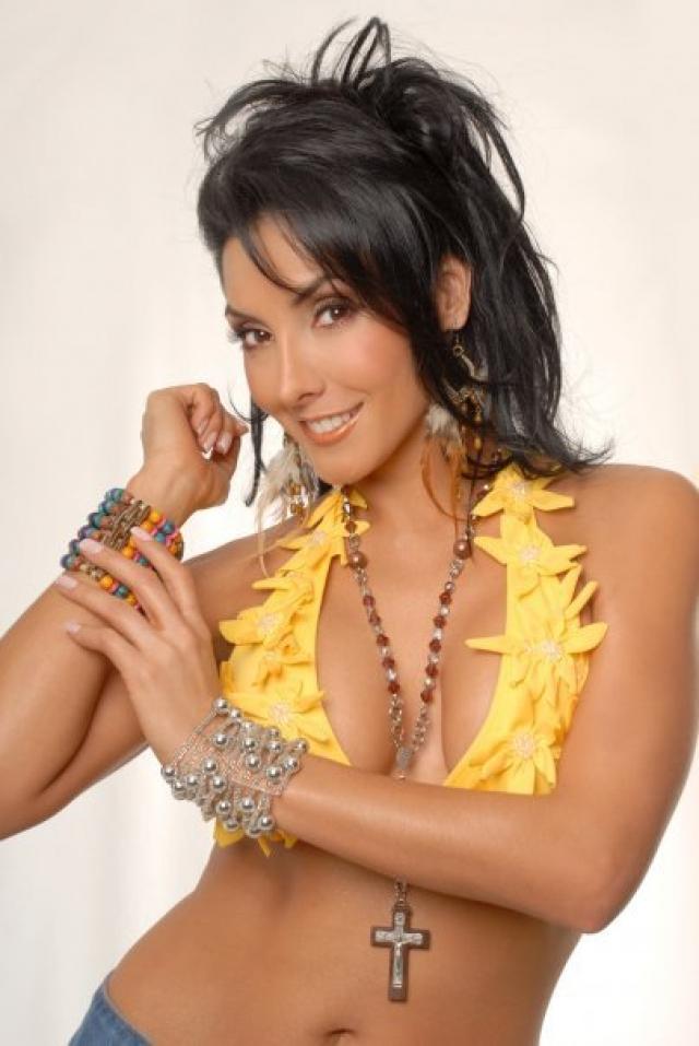 Лилиана Лозаньо (1979-2009). Колумбийская актриса, фотомодель и телеведущая. Была убита наркоторговцами - конкурентами своего возлюбленного Леонидаса - 10 января 2009 года.