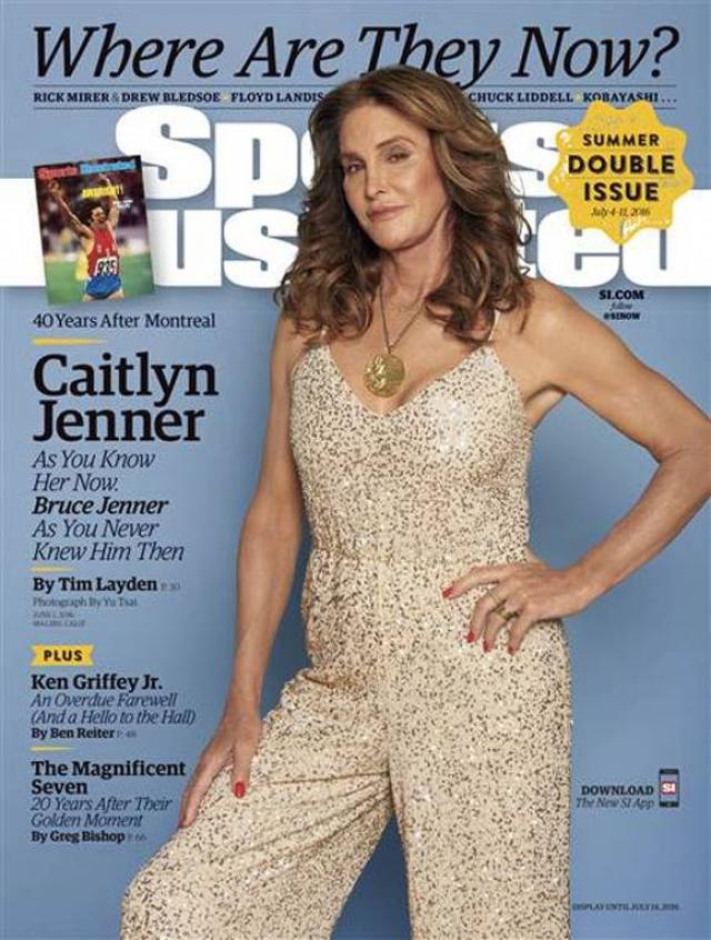 """После официального заявления и операции по смене пола в 2015 году, Кейтлин предстала на обложке в """"новом"""" теле."""