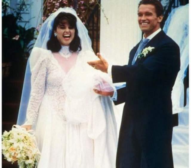 Когда в 86-м году влюбленные обьявили о помолвке, поклонницы Арнольда рвали на себе волосы. 26 апреля 1986 года в Гианнисе, штат Массачусетс, состоялось шумное свадебное торжество, а через два года на свет появилась Кэтрин, первая из четырех детей пары.