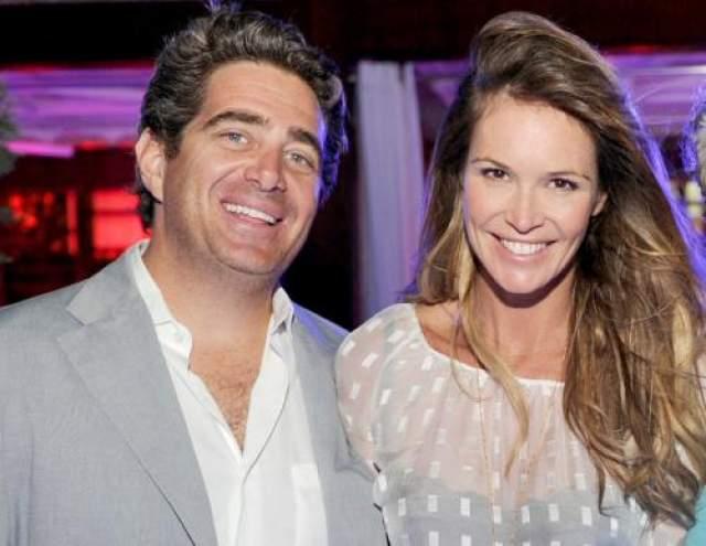 Эль Макферсон, 54 года. Отношения Эль Макферон с ее возлюбленным, бизнесменом Джеффри Соффером, всегда были непростыми. Пара начала встречаться в 2009 году, когда модель развелась с другим миллиардером, Арпадом Буссоном.