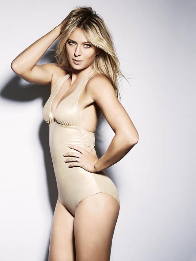 Она позировала для латиноамериканского мужского журнала Esquire, в котором презентовала свой конфетный бренд под названием Shugarpova.