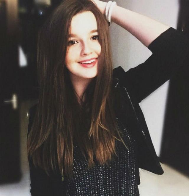 Александра Стриженова. Младшая дочь Стриженовых впервые снялась в фильме в 4 года и с тех пор решения стать теле- и кинозвездой не изменила.