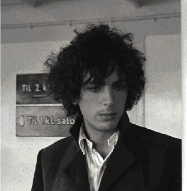 Сид Баррет. Шизофрения буквально разрушила карьеру основателя Pink Floyd. Психическое состояние музыканта само по себе было нестабильным, но увлечение тяжелыми наркотиками его окончателньо усугубило.