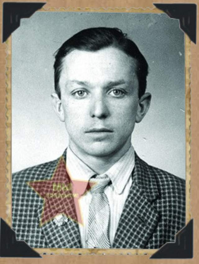 А Алешков после войны поступил в университет Харькова, стал юристом и уехал жить и работать в Челябинск. Умер он в 1990 году.