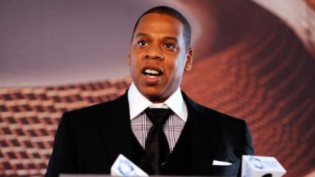 """Причину, по которой это произошло, власти объяснили так: """"Некоторые из песен Jay-Z содержит слишком много вульгарной лирики, а также нашили и грубости""""."""