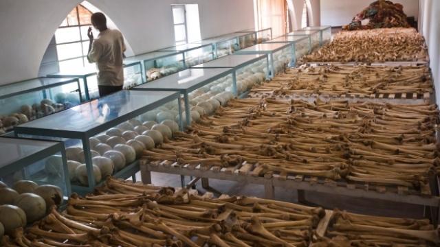 Роль международного трибунала оценивается в Руанде неоднозначно, поскольку судебные разбирательства в нем очень продолжительны, а подсудимые не могут быть наказаны смертной казнью.
