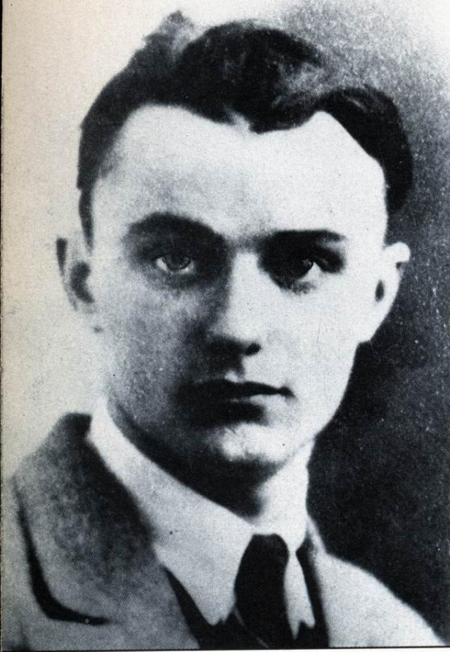 Эжен (Ойген) Вейдман родился во Франкфурте-на-Майне, в Германии, в семье бизнесмена, после начала Первой мировой войны он жил с бабушкой и дедушкой, в это время и начал воровать.