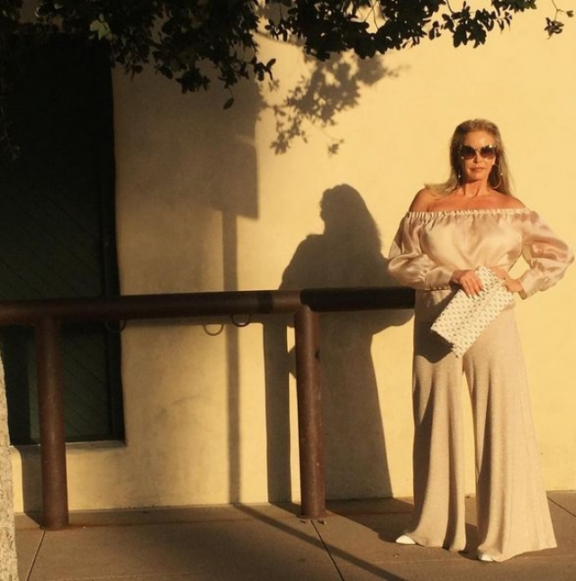 Тамера Бердслей - еще одна пользовательница Инстаграм за 50, которая покорила тысячи подписчиков своим внешним видом и стилем.