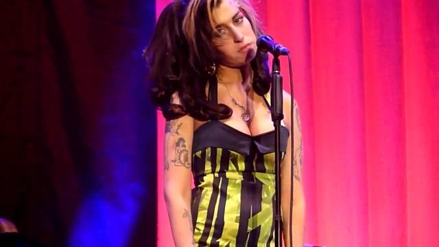 Зеленый змий сорвал и выступление Эмми Уайнхаус, которая во время концерта в Белграде не смогла исполнить ни одной песни. 20 тысяч зрителей разошлись ни с чем.