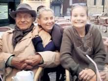 Дочь Кончаловского и Высоцкой спасли от французских врачей, вывезя ее в Россию