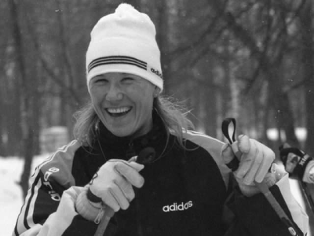 Анфиса Резцова. Многократная чемпионка в лыжных гонках и биатлоне рассказала, что принимала запрещенные препараты уже через много лет после завершения карьеры, в 2009 году.