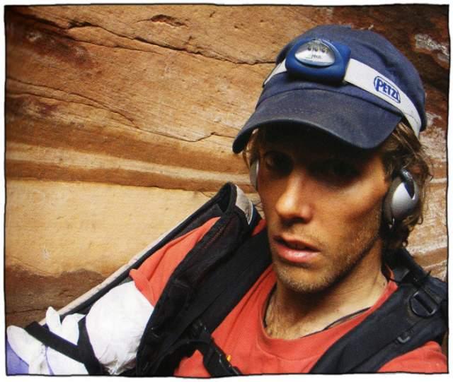 Арон Ралстон. В апреле 2003 года Ралстон отправился в обычный поход в один из каньонов Юты. После неожиданного обвала, придавившего валуном руку альпиниста, ему пришлось провести так пять дней в ожидании помощи, которая так и не пришла.