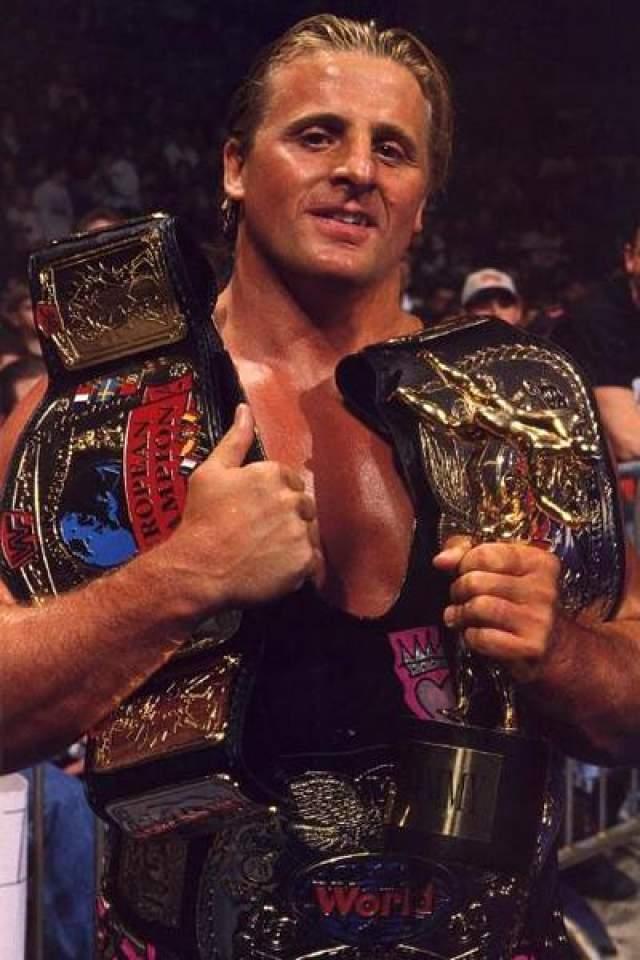 """Оуэн Харт, 1965-1999. Известный канадский профессиональный рестлер из династии рестлеров Харт, родной брат Брета """"Хитмана"""" Харта выступал в нескольких федерациях рестлинга - NJPW, WCW, WWF."""