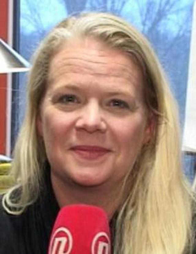 Она занимает должность директора детской церковной воскресной школы в Северной Каролине, в городке Хантерсвилль, куда они переехали с мужем в августе 2008 года.