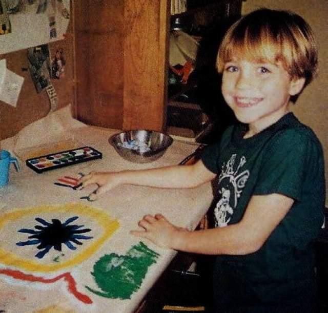 """Вначале Джонатан работал в рекламе. Затем ему доверили роль молодого Кевина Райли Бьюкенена в ТВ-сериале """"Жизнь одна""""."""
