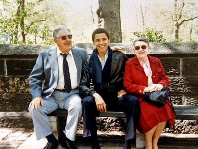 С помощью бабушки и дедушки Обама закончил с отличием одну из самых престижных на Гавайях школ.