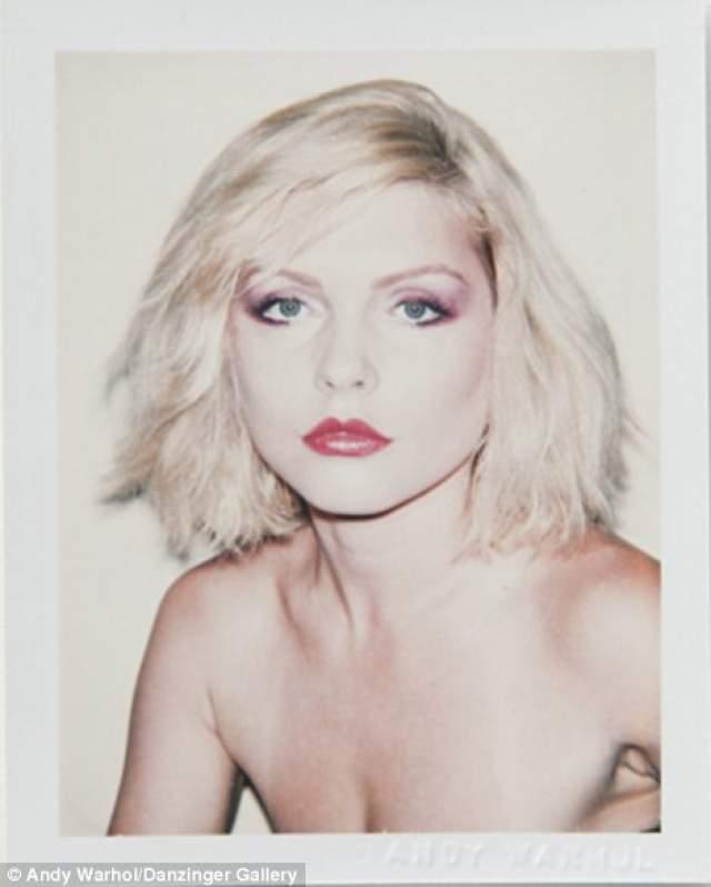 """Дебби Харри , американская певица и актриса, в свое время - лидер New-wave-группы """"Blondie"""". Сейчас ей 73 года."""